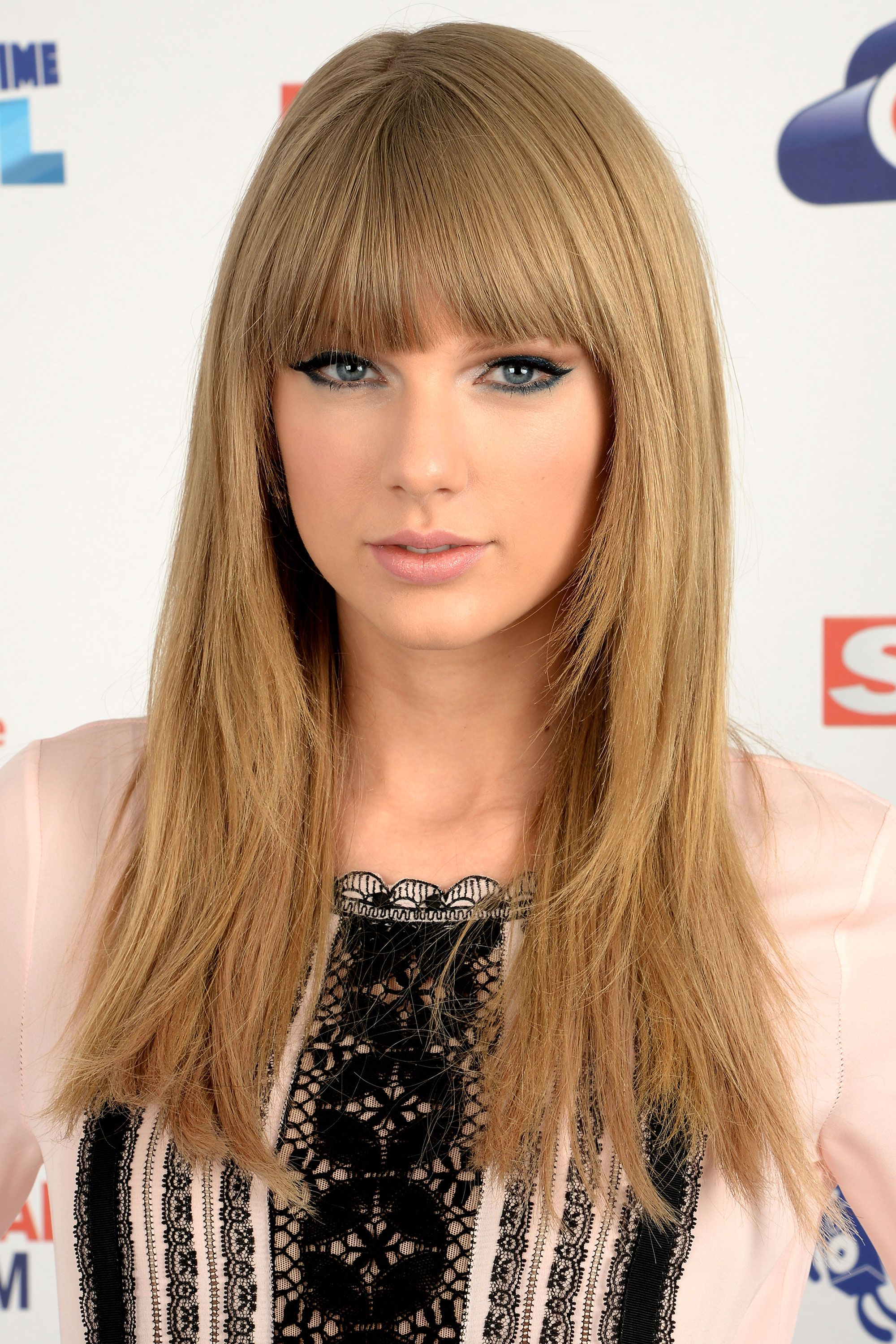 Beautiful Long Hairstyles Taylor Swift Hairstyles Taylor Swifts Curly Straight Short
