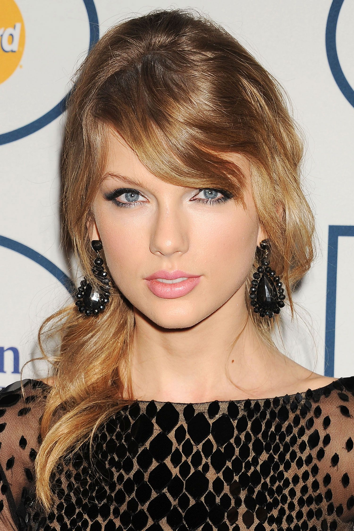 Straight perm for thick hair - Straight Perm For Short Hair Taylor Swift Hairstyles Taylor Swift S Curly Straight Short Long