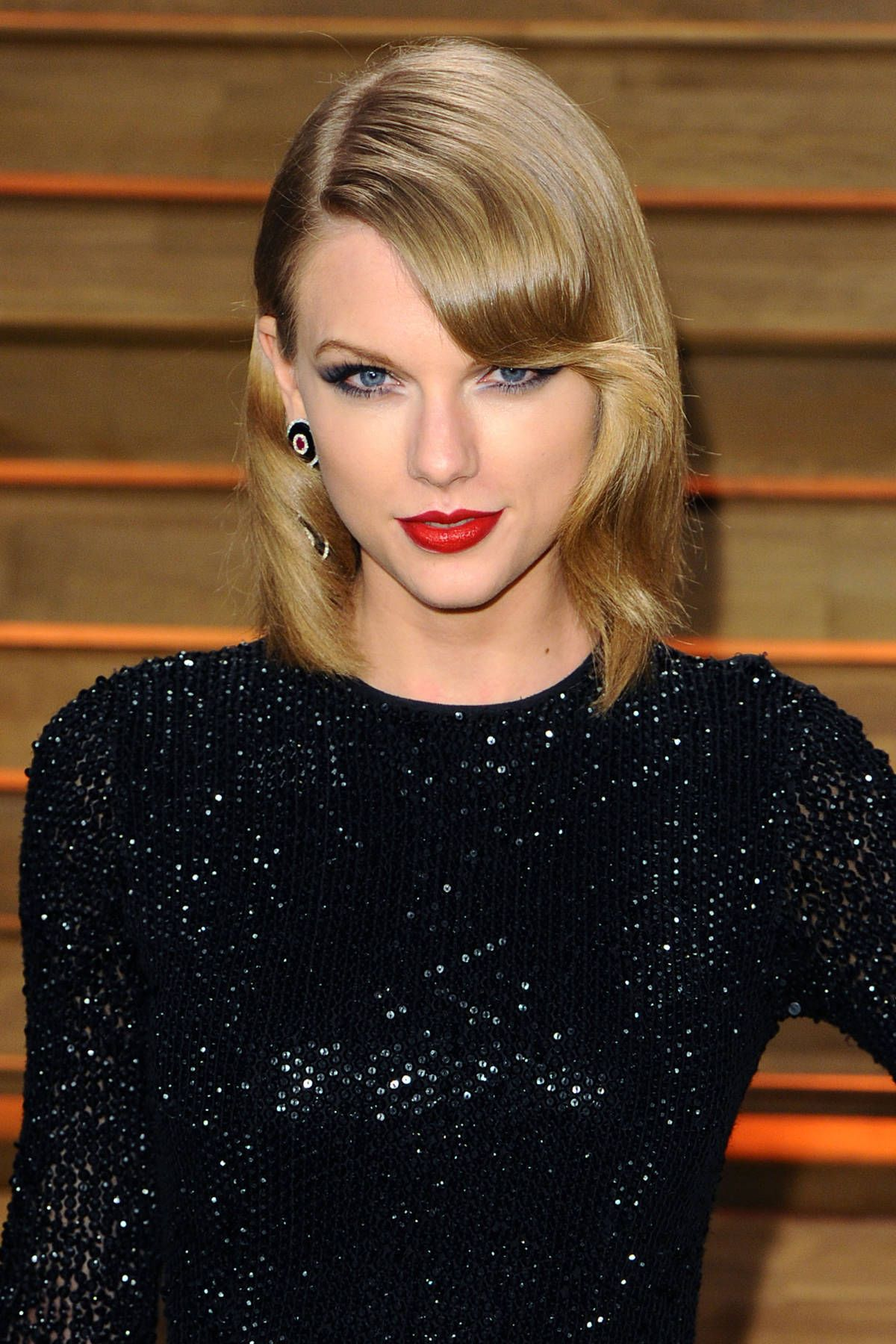 Taylor swift hairstyles taylor swifts curly straight short taylor swift hairstyles taylor swifts curly straight short long hair urmus Image collections