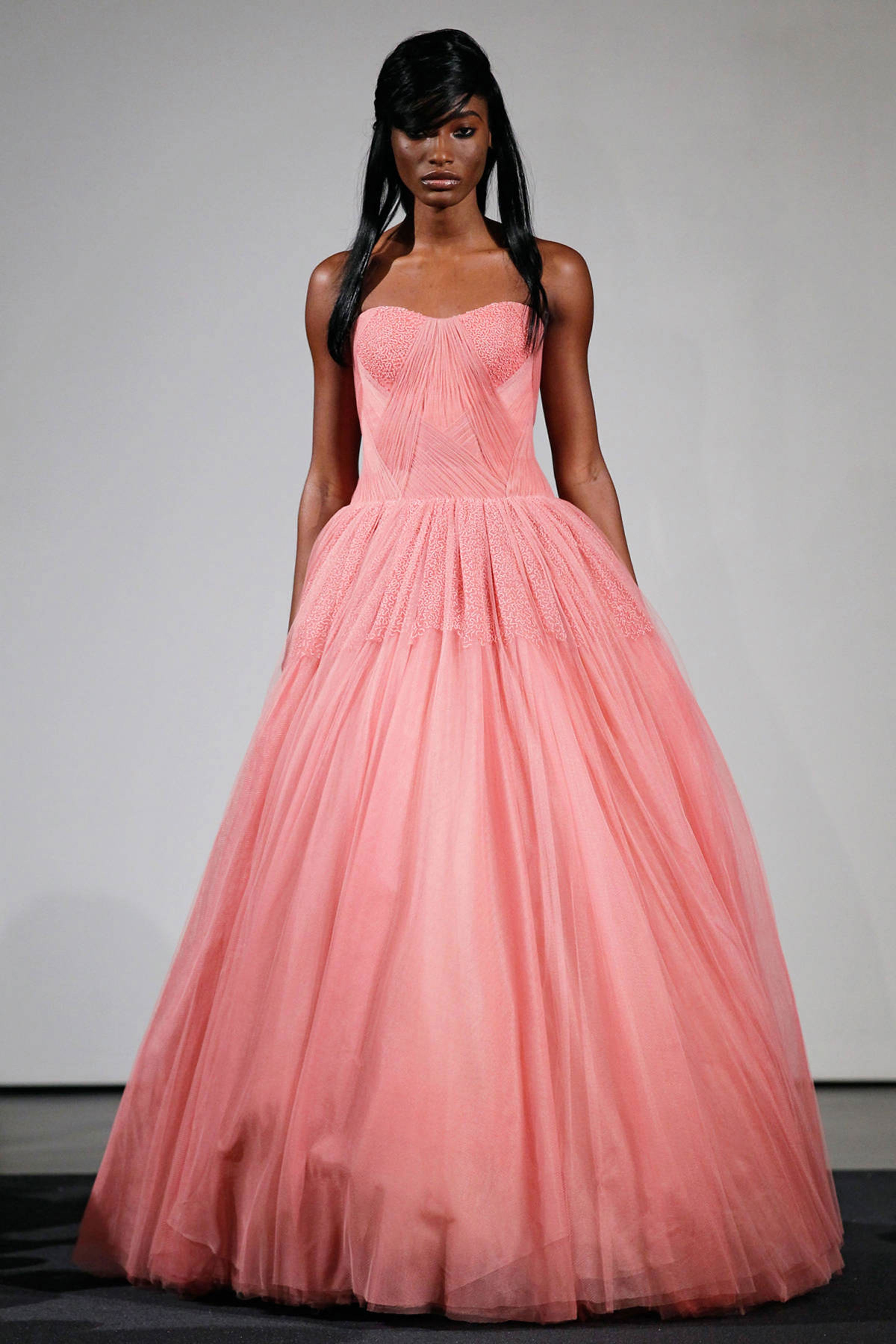 Asombroso Vera Wang Wedding Dresses Rent Elaboración - Colección de ...