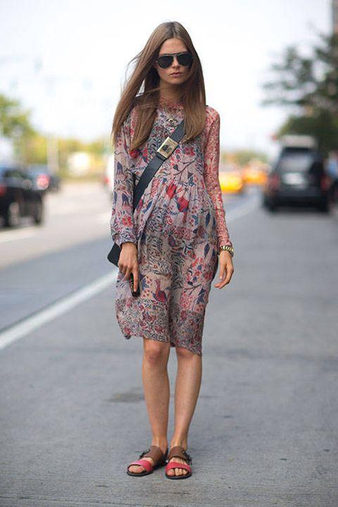 Clothing, Eyewear, Footwear, Shoulder, Textile, Human leg, Dress, Style, Sunglasses, Street fashion,