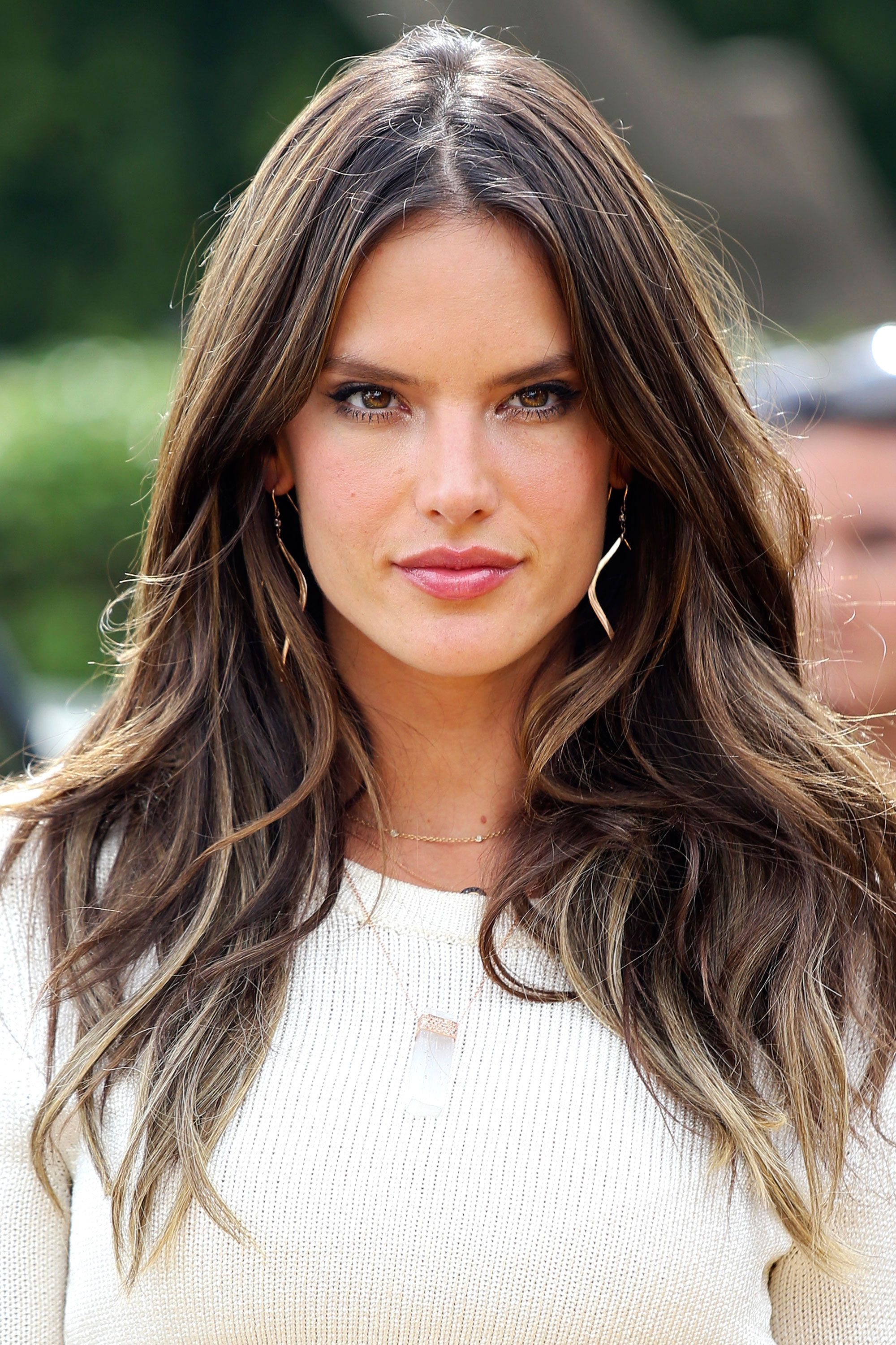 35 Long Hairstyles and Haircuts for