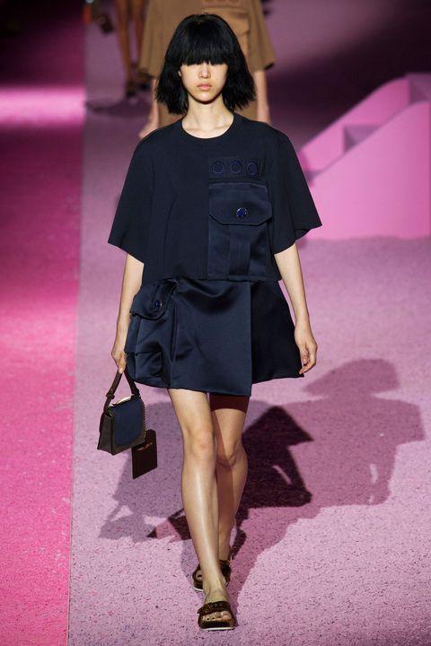 Sleeve, Shoulder, Joint, Pink, Style, Fashion model, Dress, Magenta, Bag, Knee,