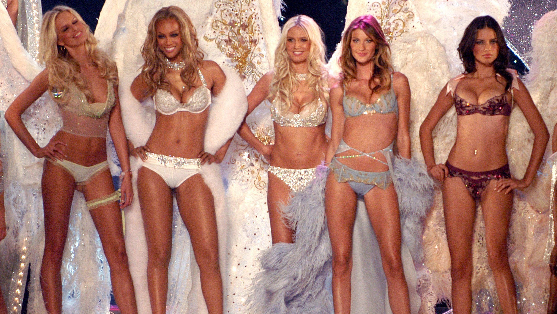 Victoria's Secret Fashion Show History in Photos - Victoria's ...