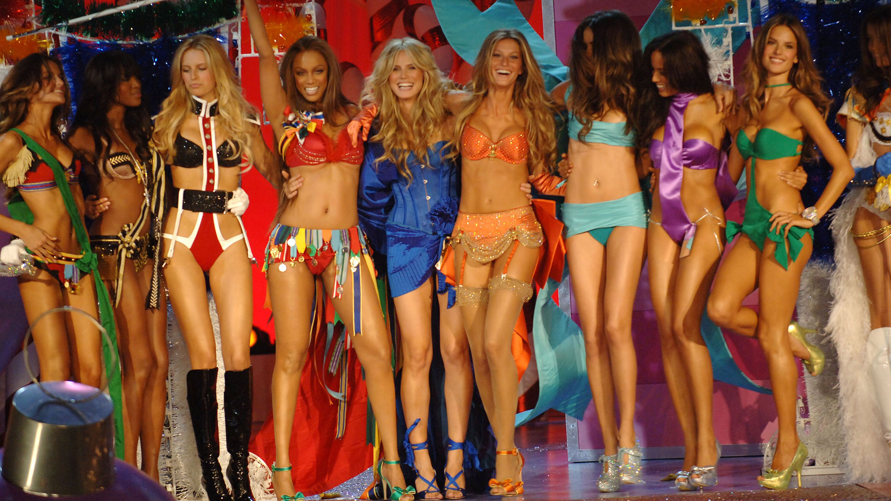 Victoria S Secret Fashion Show History In Photos Models Over The Years