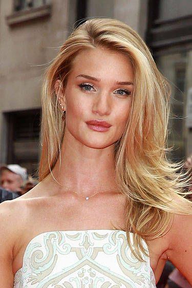 Hair, Lip, Hairstyle, Shoulder, Eyebrow, Eyelash, Style, Earrings, Beauty, Fashion model,