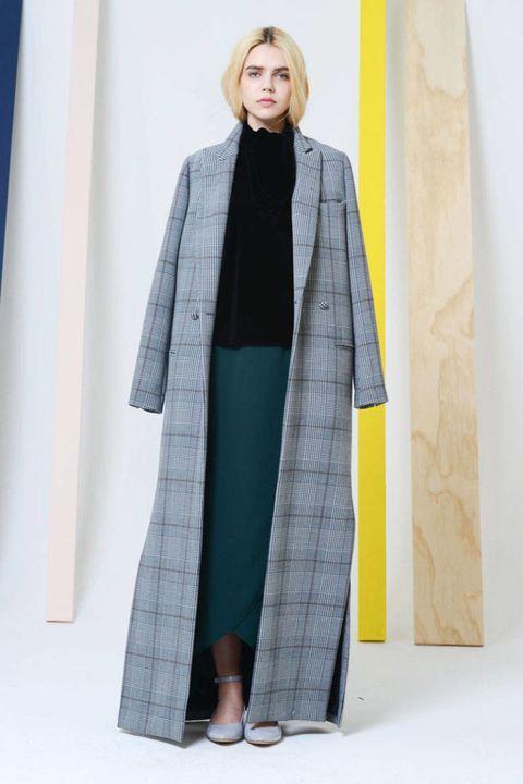 Sleeve, Textile, Style, Fashion, Street fashion, Teal, Wrap, Costume design, Fashion design, Mantle,