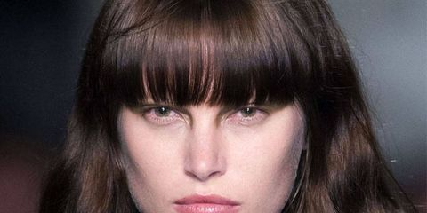 Lip, Hairstyle, Chin, Forehead, Collar, Bangs, Style, Step cutting, Beauty, Fashion,