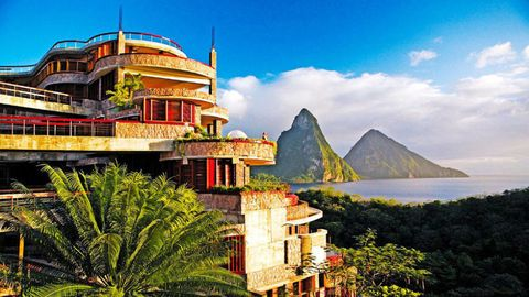 Hill, Promontory, Mountain range, Arecales, Hill station, Klippe, Island, Tourist attraction, Summit, Balcony,