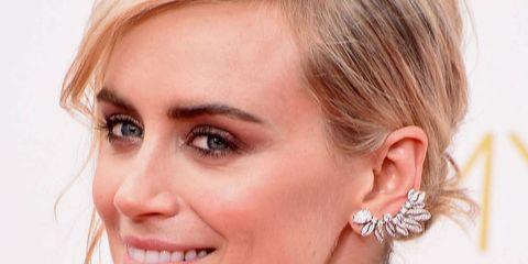 Hair, Ear, Nose, Earrings, Lip, Hairstyle, Skin, Chin, Forehead, Shoulder,