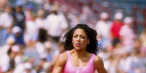 Track and field athletics, Shoe, Sports uniform, Sport venue, Human leg, Sportswear, Athlete, Athletic shoe, Running, Endurance sports,