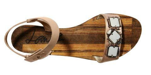 Wood, Brown, Tan, Beige, Folk instrument, Varnish, Brass, Bronze,