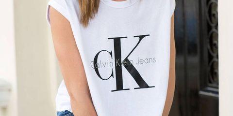 Denim, Sleeve, Trousers, Jeans, Shoulder, Sitting, Joint, Comfort, Elbow, Waist,