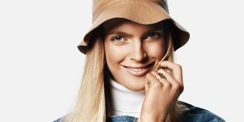 Clothing, Arm, Finger, Sleeve, Hat, Textile, Hand, Fashion accessory, Outerwear, Bag,