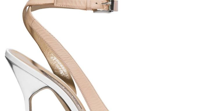The Extras: Go Nude