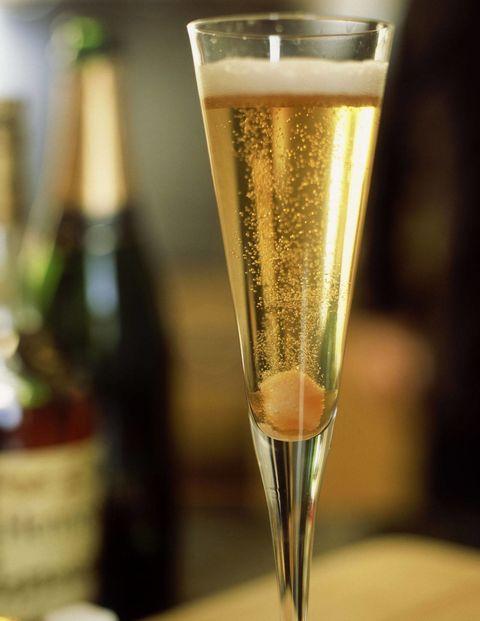 Liquid, Drinkware, Glass, Drink, Barware, Fluid, Alcoholic beverage, Stemware, Alcohol, Sparkling wine,