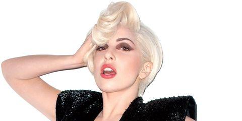 Finger, Lip, Hairstyle, Human body, Shoulder, Hand, Joint, Style, Wrist, Eyelash,