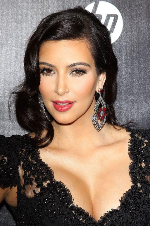 Earrings, Lip, Hairstyle, Eyebrow, Eyelash, Style, Eye shadow, Black hair, Beauty, Jewellery,