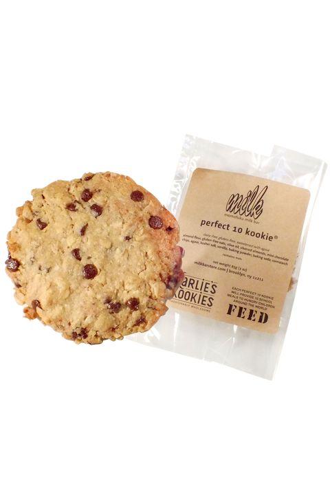 Finger food, Food, Cuisine, Ingredient, Dessert, Baked goods, Cookies and crackers, Chocolate chip cookie, Sweetness, Biscuit,