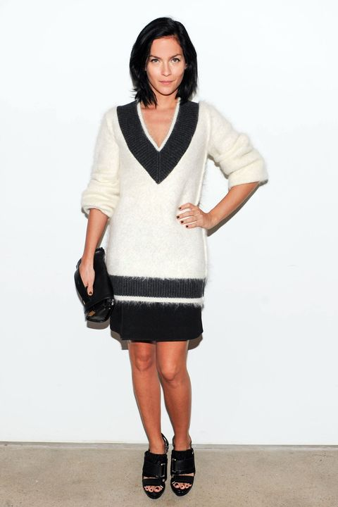 Clothing, Sleeve, Shoulder, Human leg, Joint, Style, Fashion accessory, Knee, Fashion, Bag,