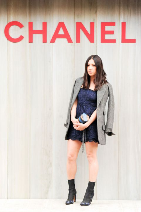 Clothing, Leg, Product, Sleeve, Shoulder, Joint, Outerwear, Style, Street fashion, Knee,