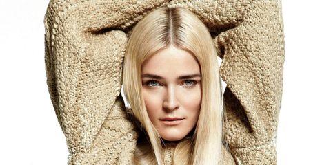Nose, Lip, Eye, Sleeve, Textile, Style, Fashion, Sweater, Street fashion, Woolen,