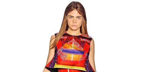 Sleeve, Shoulder, Textile, Red, One-piece garment, Style, Pattern, Waist, Day dress, Orange,