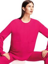 Sleeve, Shoulder, Red, Joint, White, Sitting, Thigh, Knee, Fashion, Neck,