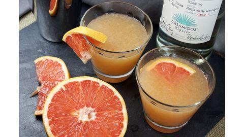 Drink, Orange, Ingredient, Liquid, Citrus, Food, Classic cocktail, Tableware, Fruit, Alcoholic beverage,