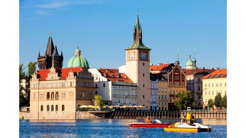 Watercraft, Water, Spire, Waterway, Building, Landmark, Boat, Steeple, Channel, Boats and boating--Equipment and supplies,