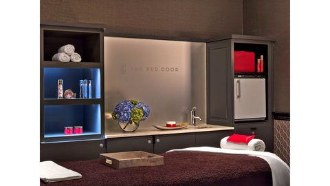 Room, Interior design, Wall, Shelving, Linens, Shelf, Interior design, Still life photography, Bedding, Bedroom,