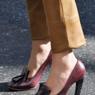 tassel heeled loafer