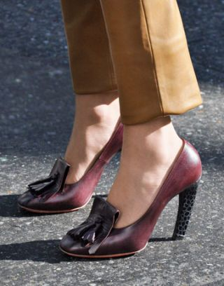 tassel heeled loafer