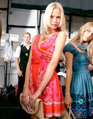 natasha poly backstage at anna sui