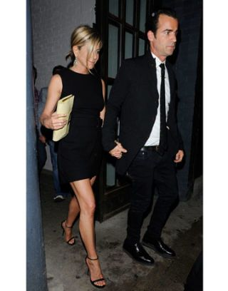jennifer aniston alexander mcqueen black cape dress