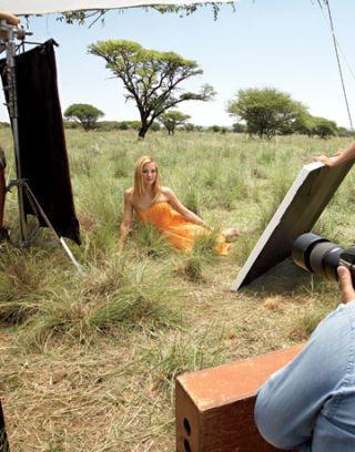 kate hudson in a strapless orange dress