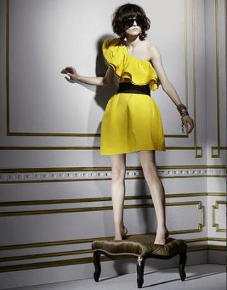 Dress, Shoulder, Joint, Standing, Style, One-piece garment, Waist, Fashion accessory, Fashion, Knee,