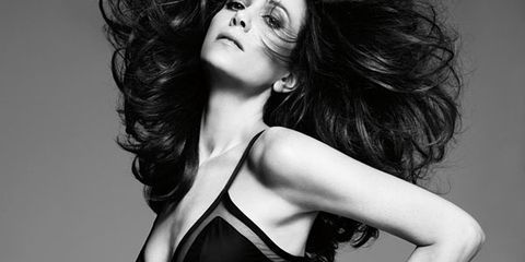 Lip, Hairstyle, Shoulder, Waist, Joint, Style, Fashion model, Chest, Abdomen, Beauty,