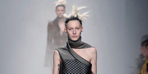 Shoulder, Fashion show, Joint, Fashion model, Style, Waist, Runway, Fashion, Neck, Model,