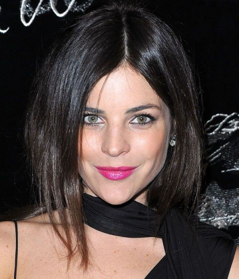 Mouth, Lip, Hairstyle, Chin, Forehead, Eyebrow, Eyelash, Black hair, Beauty, Eye liner,