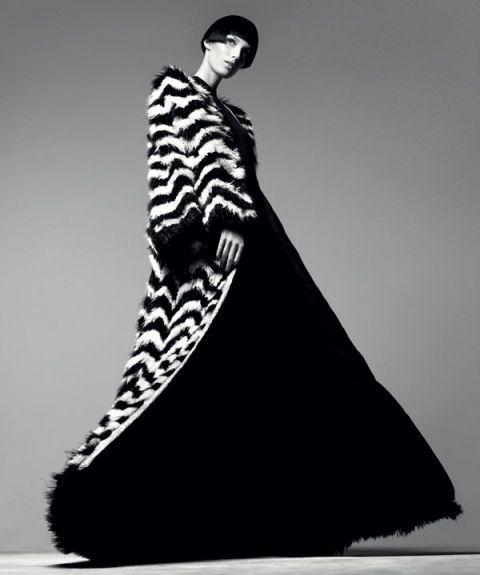 Sleeve, Style, Dress, Formal wear, Fashion, Neck, Black, Fashion illustration, Fashion model, Costume design,