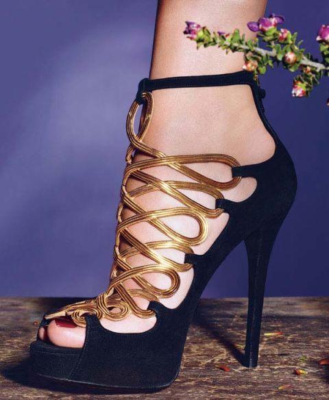 Footwear, High heels, Joint, Shoe, Sandal, Foot, Tan, Fashion, Toe, Beige,