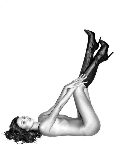 Human leg, Joint, Elbow, Knee, Beauty, Model, Thigh, Wrist, Photography, Fashion model,