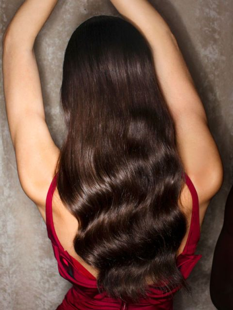 Hairstyle, Shoulder, Joint, Style, Wrist, Back, Black hair, Elbow, Long hair, Muscle,