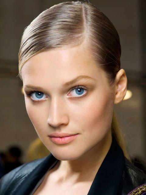 Head, Ear, Nose, Mouth, Lip, Hairstyle, Chin, Forehead, Eyelash, Eyebrow,