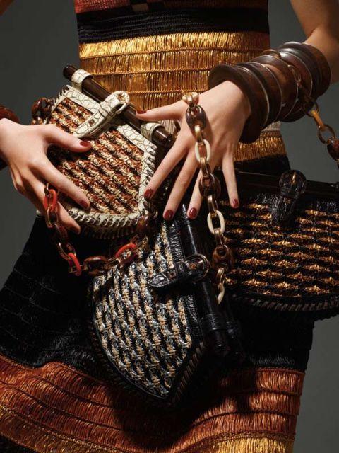 Finger, Brown, Hand, Wrist, Nail, Fashion, Bracelet, Chain, Body jewelry, Fashion design,