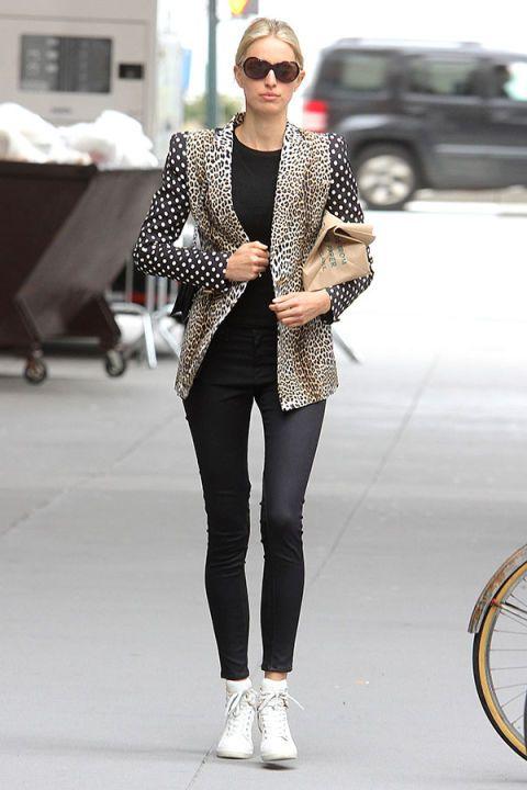 Clothing, Eyewear, Bicycle wheel rim, Leg, Product, Bicycle tire, Textile, Sunglasses, Outerwear, White,