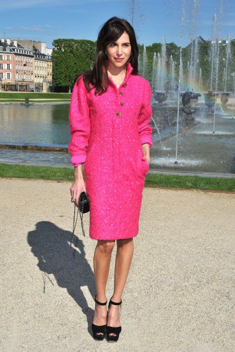 Clothing, Sleeve, Fountain, Pink, Magenta, Dress, Fashion accessory, Street fashion, Beauty, Pattern,