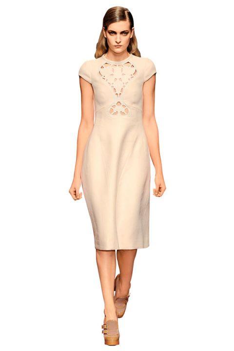 Clothing, Finger, Sleeve, Skin, Shoulder, Dress, Human leg, Joint, White, Standing,