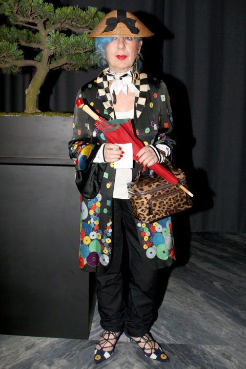 Clothing, Hat, Outerwear, Style, Coat, Street fashion, Headgear, Costume accessory, Fashion, Costume design,